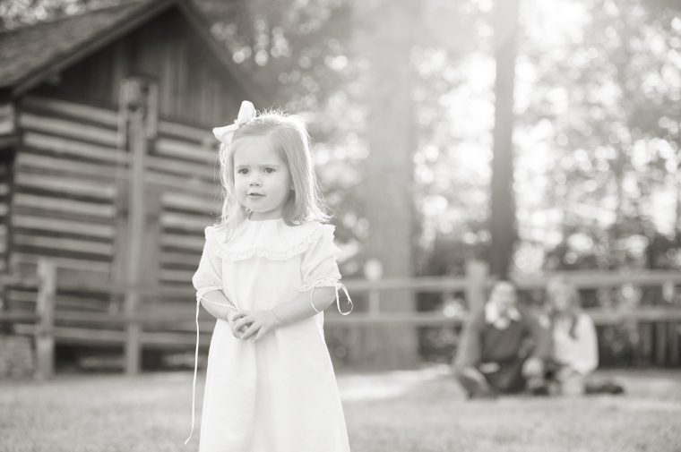 Birmingham Alabama photographer,Birmingham portrait photographer,Bluff Park cabin,Fall kids and family portraits,Heather Durham Photography,Kids & Family Portraits,fall portrait sessions,toddlers,
